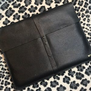 Caviar leather binder that will fill ur computer!